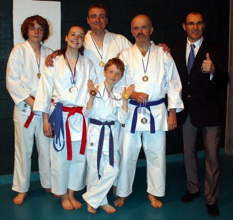 Les membres des équipes inter-générations et familles avec Philippe Boudet