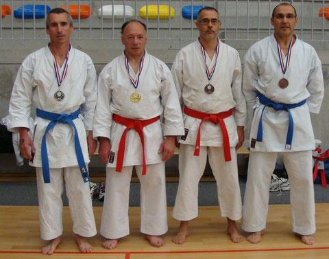 Hervé Bussière et Philippe Boudet sur le podium en kata