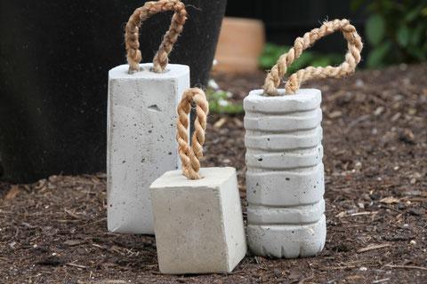 Türsteher aus Beton / doorstop of concrete