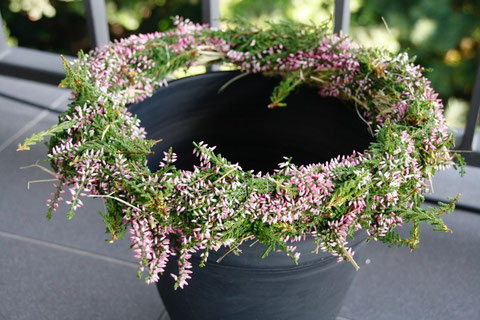 Heidekranz für Pflanzkübel / heather wreath for flower pot
