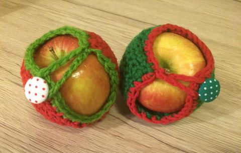 Gehäkelte Apfeltaschen / crochet apple bags