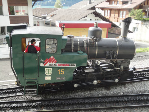 Lok 15 in der Station Brienz