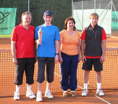 v.l. Johann Prifling, Alexander Meier, Roswitha Prifling, Norbert Elling