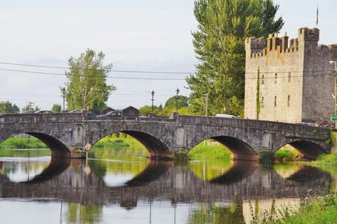 アイルランド 観光 橋 川