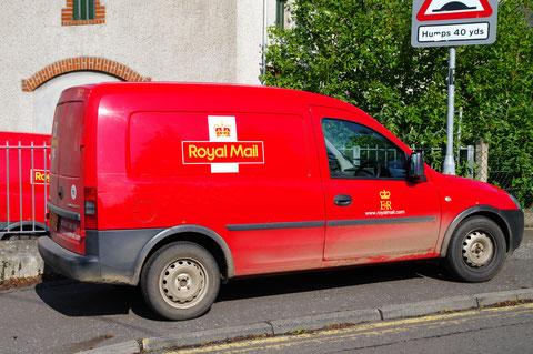 イギリス・北アイルランド・車・郵便局