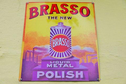 ブラッソ 金属磨き Brasso