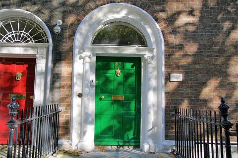 ジョージア調のドア