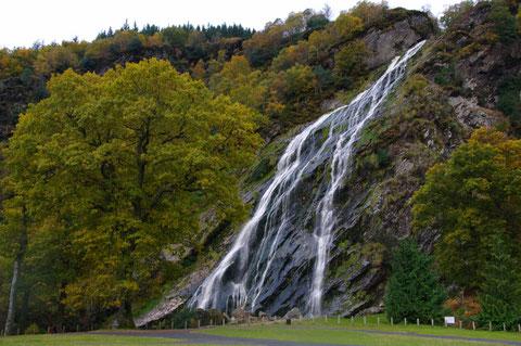 アイルランド 滝 パワーズコート