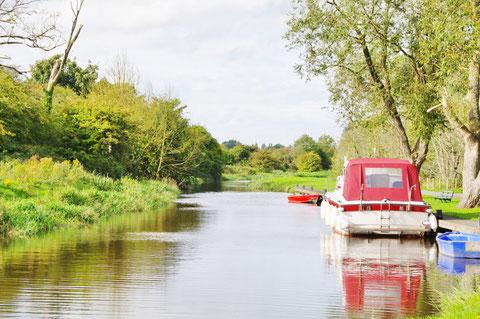アイルランド 運河 川 船