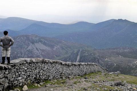 アイルランド 北アイルランド ハイキング スリーヴ・ドナード