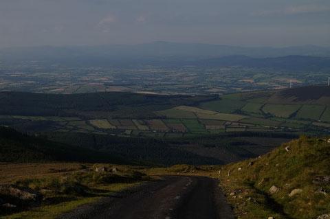 頂上からの眺め。恐らくこの道路がアイルランドで最も高い所を通る舗装道路だと思われます。