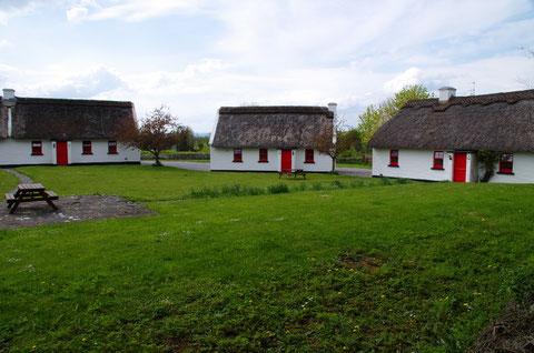 アイルランド 茅葺屋根 田舎