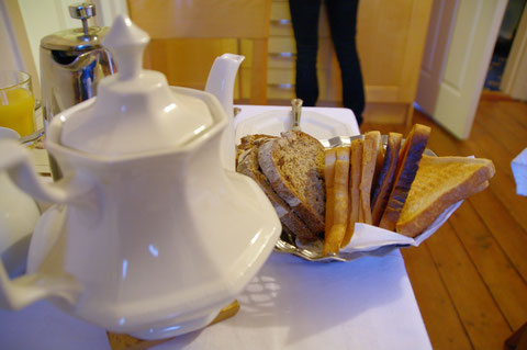 アイルランド 朝食 ベッドアンドブレックファスト