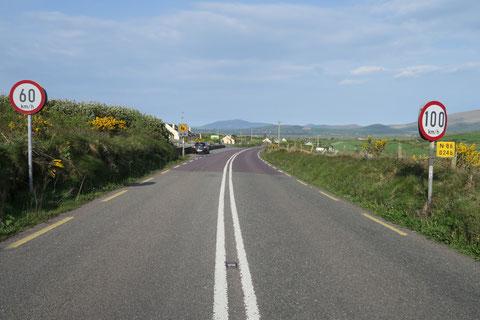 アイルランド 道路 標識