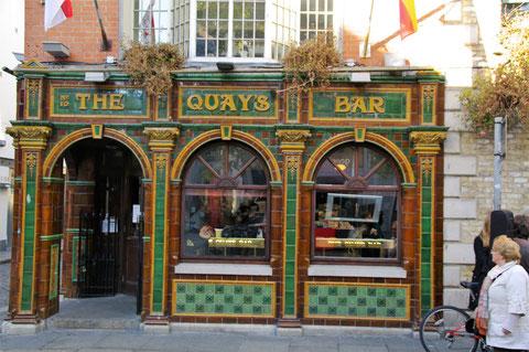 Quay's Bar Dublin