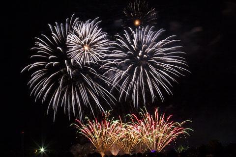 """Int. Feuerwerksfestival Flammende Sterne Ostfildern 2016: 21.08.2016 """"Feuerwerk China"""""""