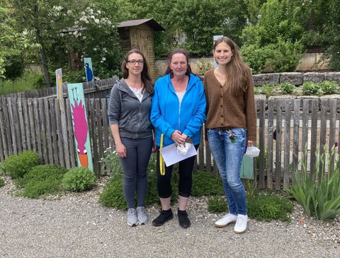 Das Team des Offenen Ganztags seit 2021: (v.r.) Leiterin Nina Laubmeier und ihre beiden Mitarbeiterinen Elke und Lisa Hilbert