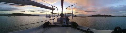Chosey: coucher du soleil au mouillage