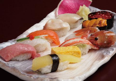 江別市にある操業90余年のやま六鮨のご法要料理Bコースです。