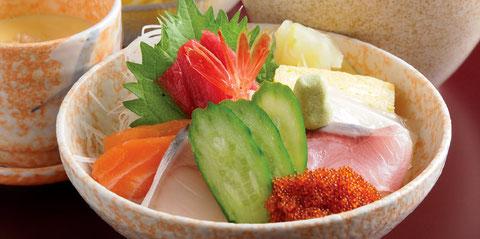 江別のすし店 やま六鮨おすすめのランチメニュー 海鮮丼ランチです。