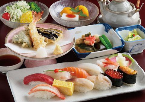 江別市にある操業90余年のやま六鮨のご法要料理4,000円のコースです。
