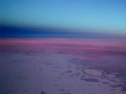 アメリカ大陸上空から眺める夜明け
