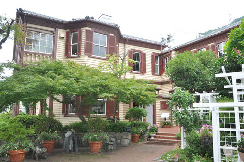 Das Rhine Haus im Kitano Viertel