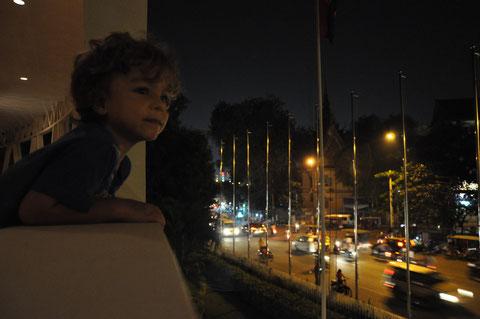 Wir warten auf den Taumel der Nacht/Wenn das Licht ausgeht & unsere trunkene Seele erwacht