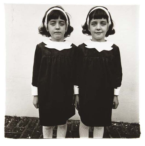 DIANE ARBUS - Identical Twins, Roselle NJ 1967