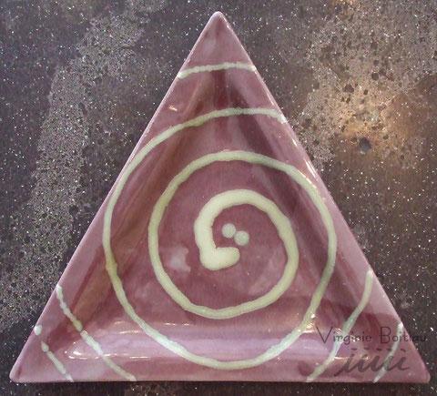 Virginie boitiau iiiii assiette en grès triangle