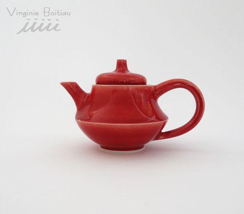 Théière en porcelaine réalisée par virginie boitiau iiiii Teapot made of porcelain by V boitiau iiiii