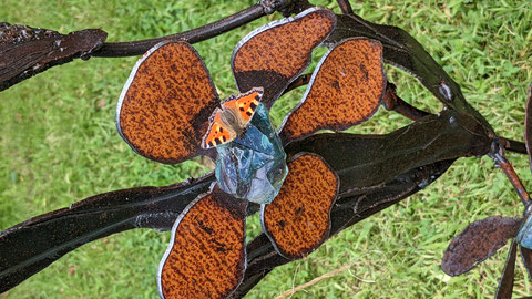 sculpture fleur métal et verre Nadine Ledru création