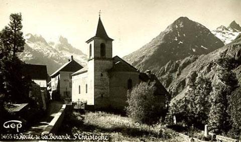 Le village et son église