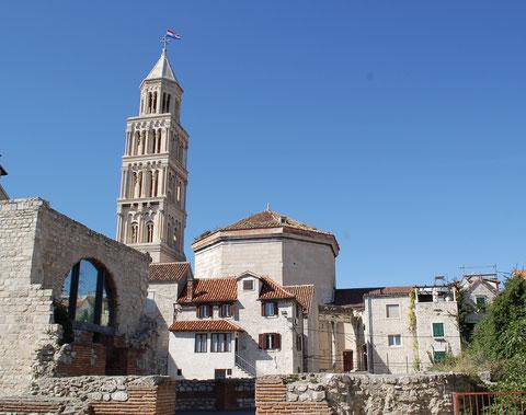 ディオクレティアヌス宮殿の大聖堂と鐘楼