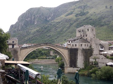 モスタル ネトレヴァ川とスタリ・モスト(古い橋)