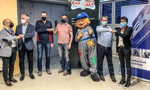 Nouvelle opportunité pour «car4rep» (de g. à d.): Enzo Santarsiero (AK), Thomas Jauch, Urs Boss, Thomas Zumbrunn (conseillers chez car4rep), Volker Wistorf, Maya Bitterli (AK).