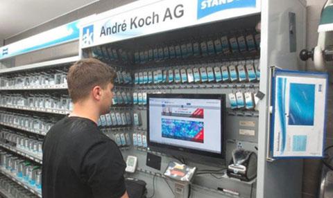 Andreas Sprenger de «Galliker Service AG» est ravi de pouvoir passer ses commandes sur le webshop 24 heures sur 24.
