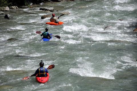 Wildwasserfahrt auf der Gail im Juli, J. Trabert, D. Lindenmayr und Chr. Kappe (mit Helmkamera)