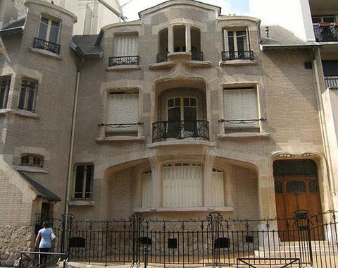 Э.Гимар. Отель Мецзара в Париже. Спокойный и уравновешенный модерн, тактично соседствующий с основной массой парижской застройки.