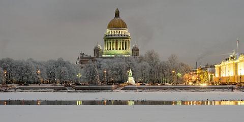 Сенатская площадь зимой.