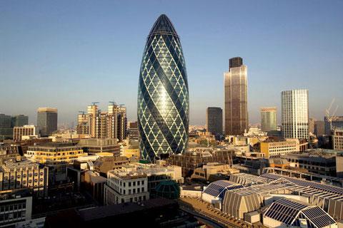 Офис швейцарской страховой компании «Swiss Re» в Лондоне.