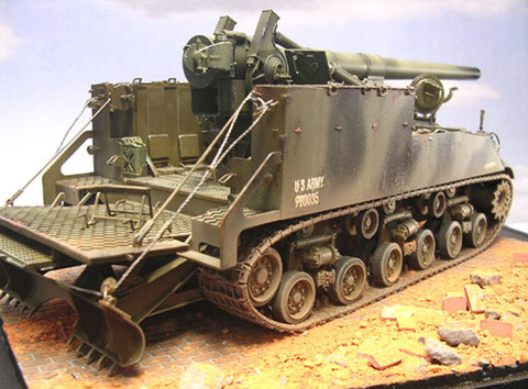 Bedienungsplatform udn Erdsporn am Heck der M40