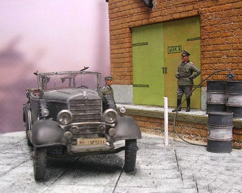 Auch bei den reinen Wehrmachtsfahrzeugen blieb der wuchtige Chromgrill erhalten.