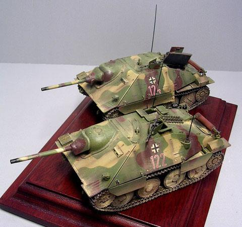 Jagdpanzer einer Panzerjägerkompanie mit unterschiedlichen Baumustern aufgefüllt. Tarnung ab Werk.