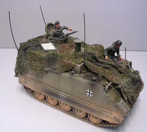 Kommandatenluke versetzt mit Fla-MG und früher MG-Lafette.