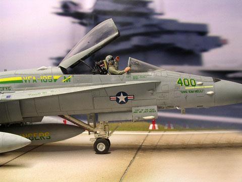 """Grün-gelbe Kennzeichnung der VF-105 """"Gunslingers"""""""