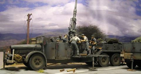 Die ungewöhnlichen Dreiachser waren sehr seltene Fahrzeuge in der Wehrmacht.