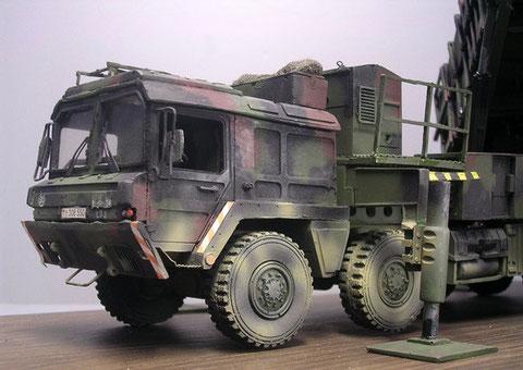 Fahrerkabine mit 6 Sitzplätzen basierend auf dem MAN LKW Modul-System.