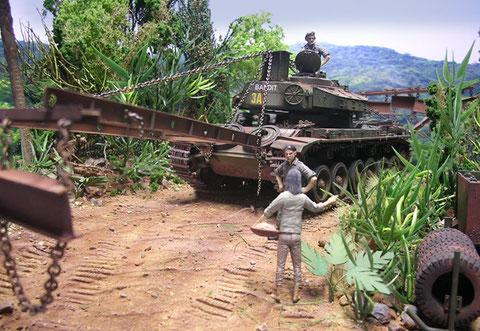 Mit seinen gewaltigen Ausmaßen rollt der Centurion durch die enge Dschungelstraße.