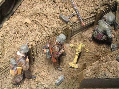 Grabenkampf, teilweise inder typischen Wendeunfirom der späten Kriegsjahre.